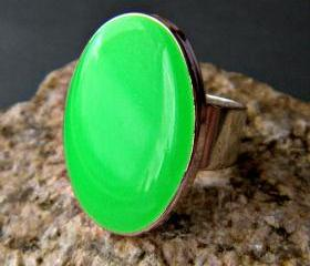 Neon Green Oval Statement Ring, Resin, Adjustable, Fluorescent Green Cocktail Ring, Lime Green Ring