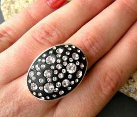 Black and White Crystal Rhinestone Sparkle Oval Statement Ring, Clay, Adjustable